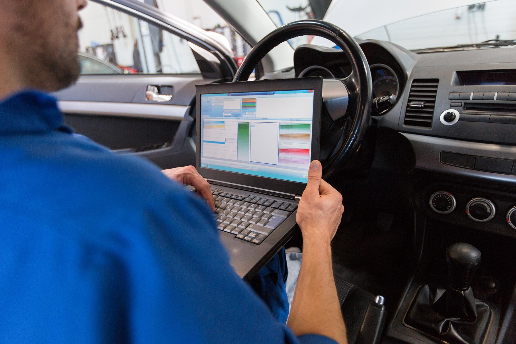 Car Repairs | Car Mechanics | Service Garage | MOT Servicing | Tyre Replacement | Brake Repair | Middlesbrough | TS Auto Repairs